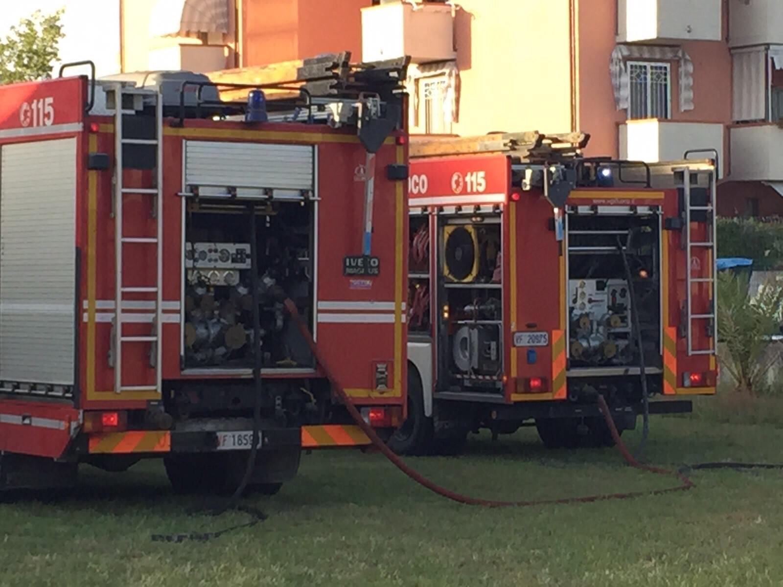 Ancora fiamme a Viareggio. Incendio in un negozio di kebab