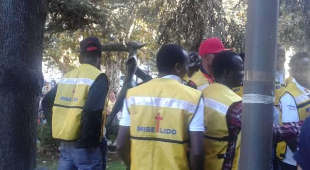 13 giovani migranti ospiti del Villaggio della Solidarietà della Misericordia di Lido