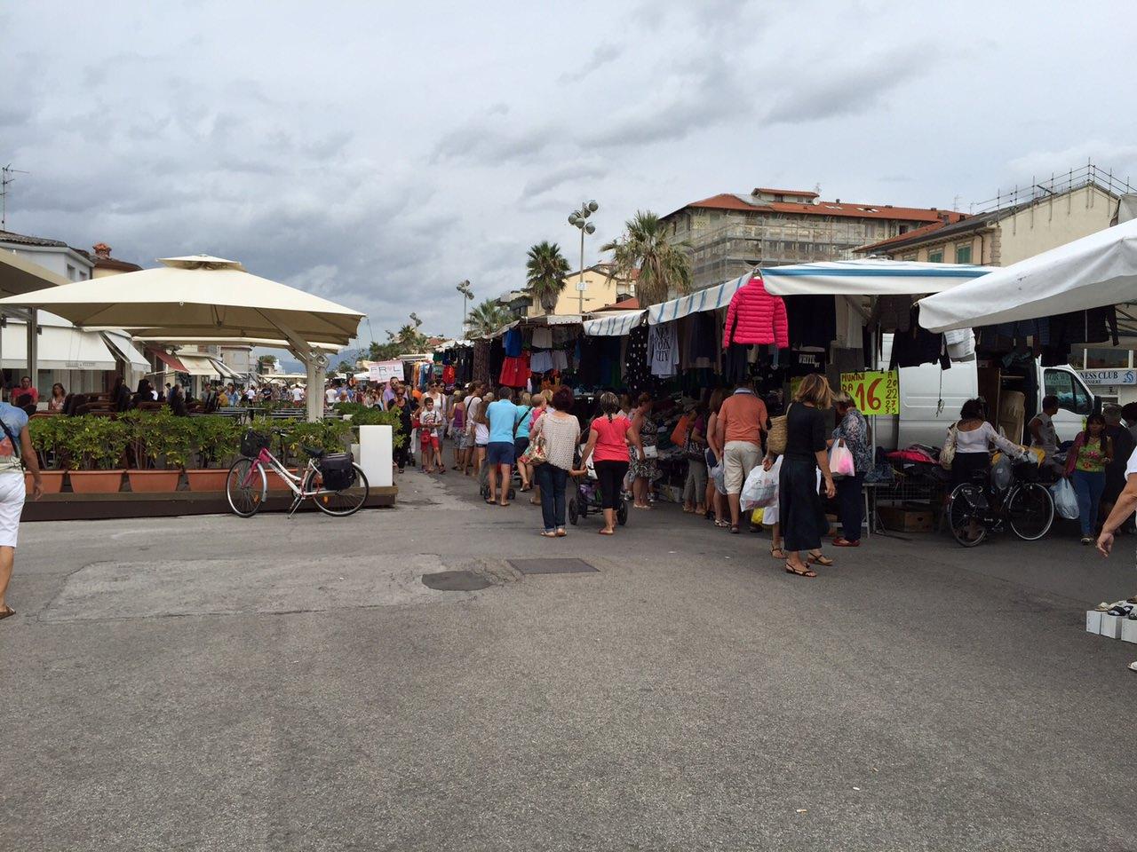 Mercato in passeggiata fino alle 18 per aiutare gli ambulanti colpiti dal Covid