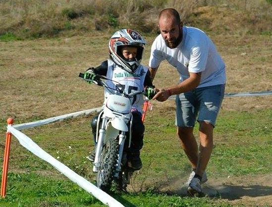 Scuola di avviamento al minicross al Magazzeno