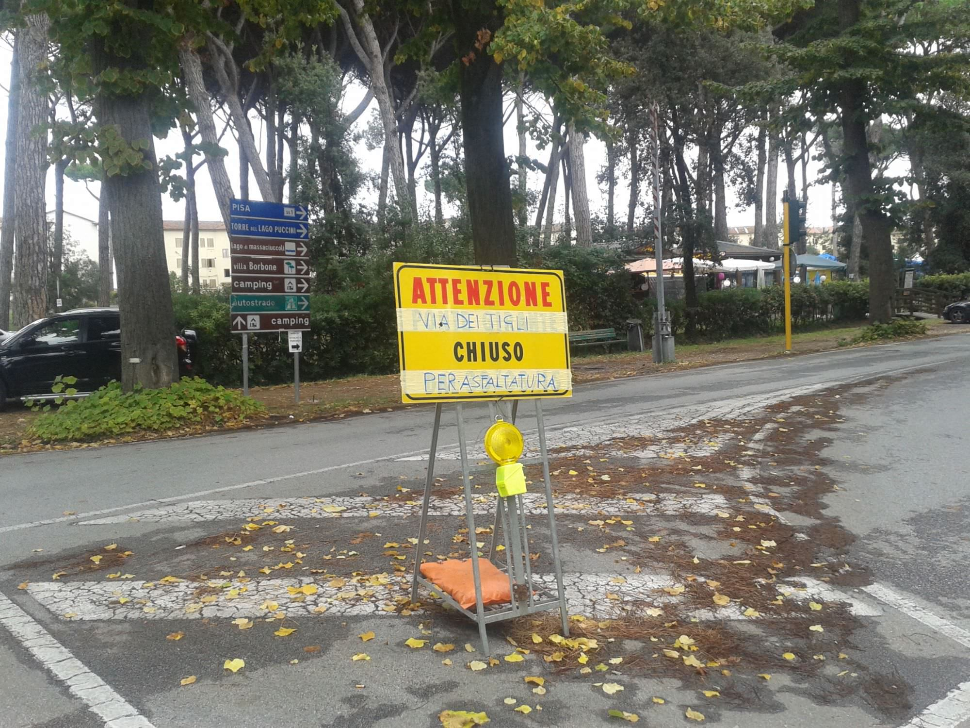 Asfaltatura del viale dei Tigli, chiuso un tratto di strada