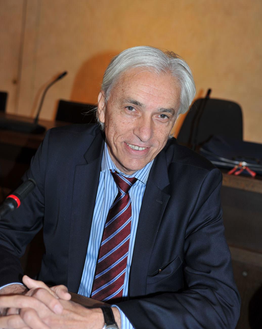 Il sindaco Tarabella chiede un Consiglio Comunale congiunto ai colleghi della Versilia