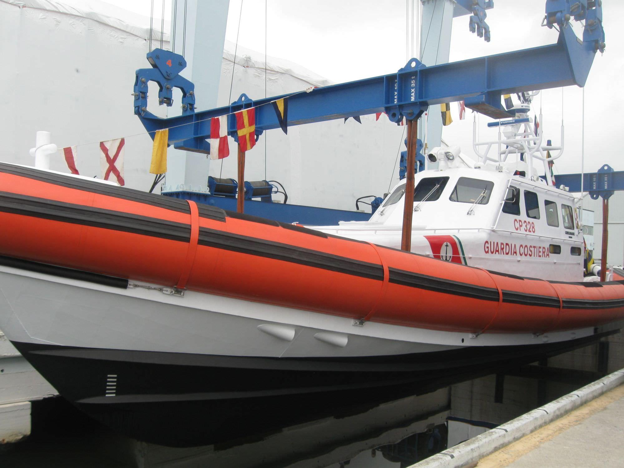 Varata nel cantiere Codecasa la nuova motovedetta della Guardia Costiera