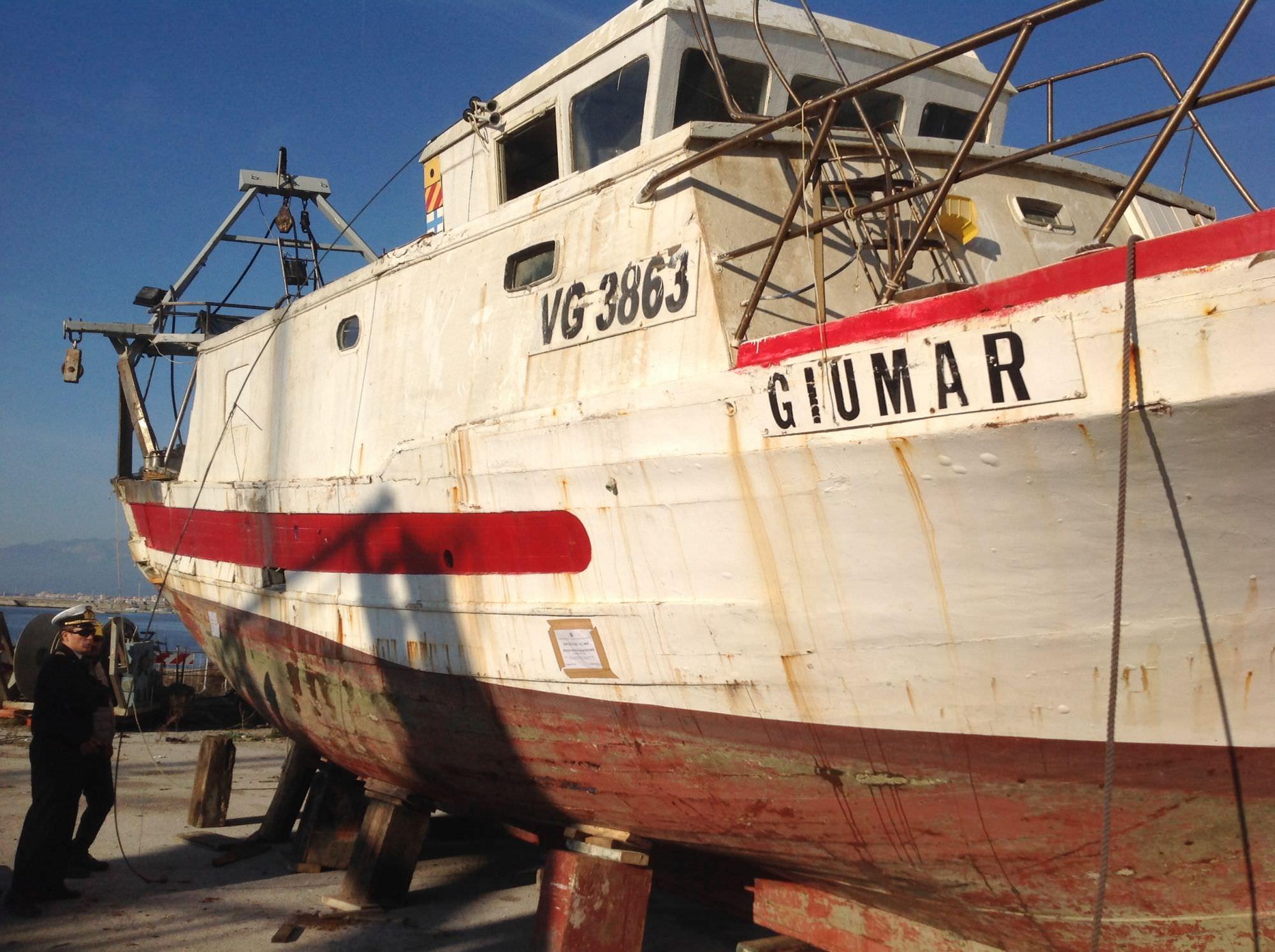 Tragedia in mare, demolito il peschereccio Giumar