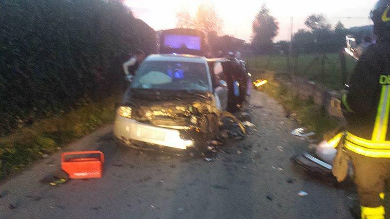 Scontro tra due auto a Strettoia, quattro feriti