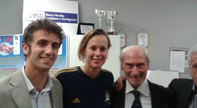 Il ct della nazionale di nuoto premia i giovani atleti del meeting