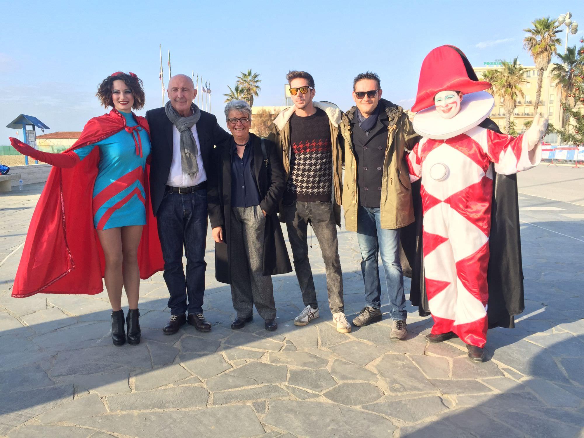 """In Piazza Mazzini fine anno con """"Egg Party Pumping Viareggio"""""""