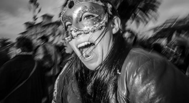 """""""Carnival"""", la mostra fotografica che parte dal basso"""