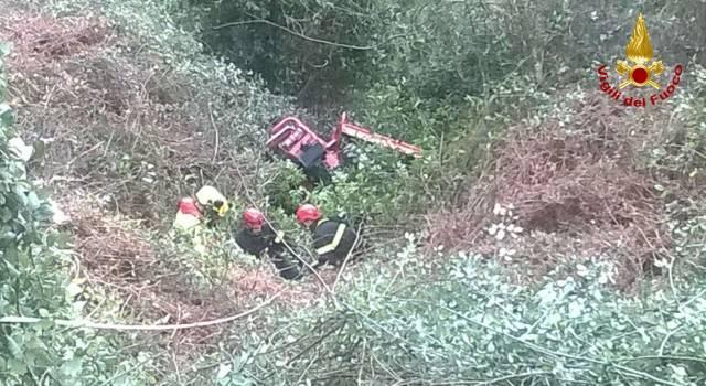 Muore schiacciato dal trattore, tragedia a Camaiore