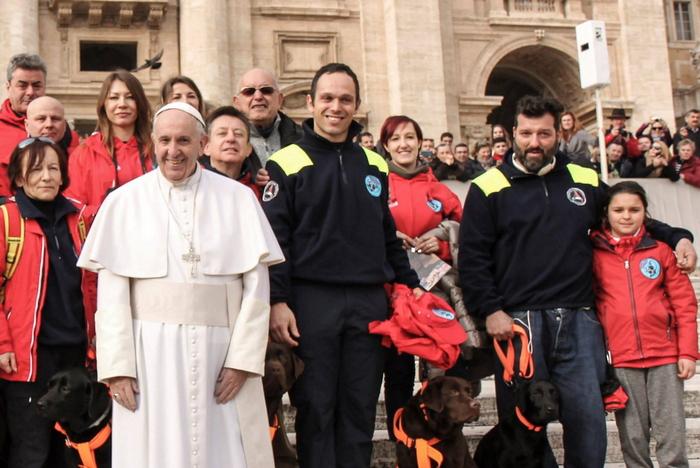 Papa Francesco riceve gli angeli custodi dei cani