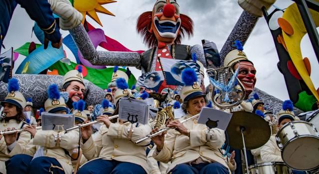 Bande e musica live, il Carnevale torna alle origini