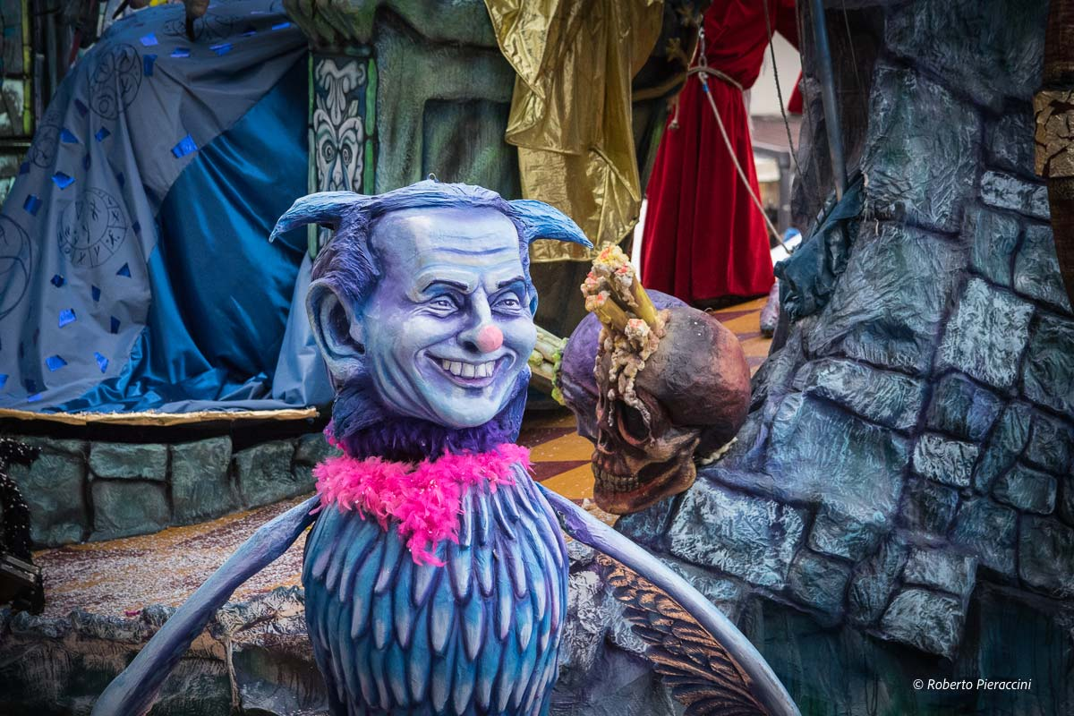 """""""Vorrei Berlusconi ospite al Carnevale"""""""