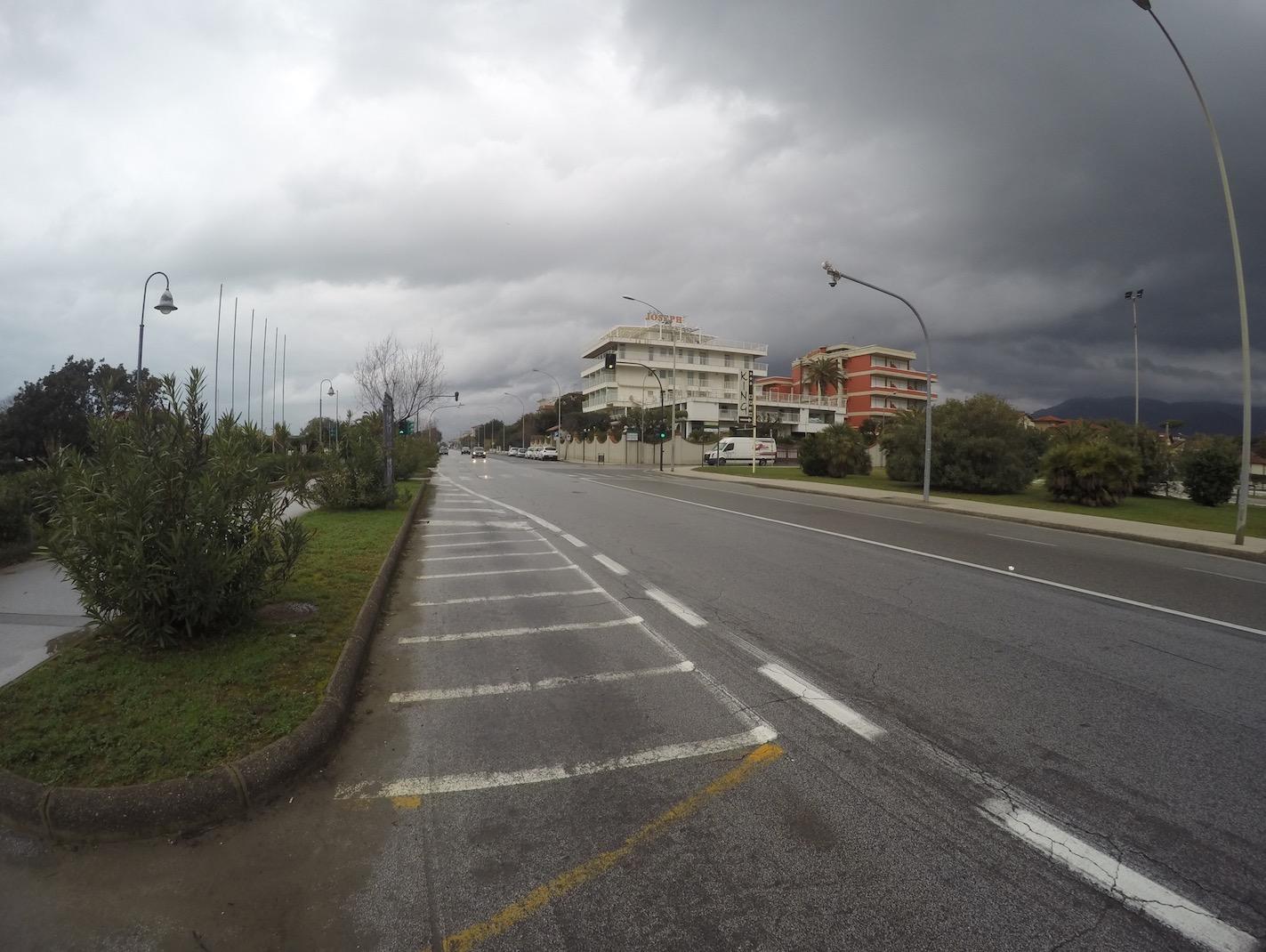 Pietrasanta, parcheggio gratis per i primi 15 minuti
