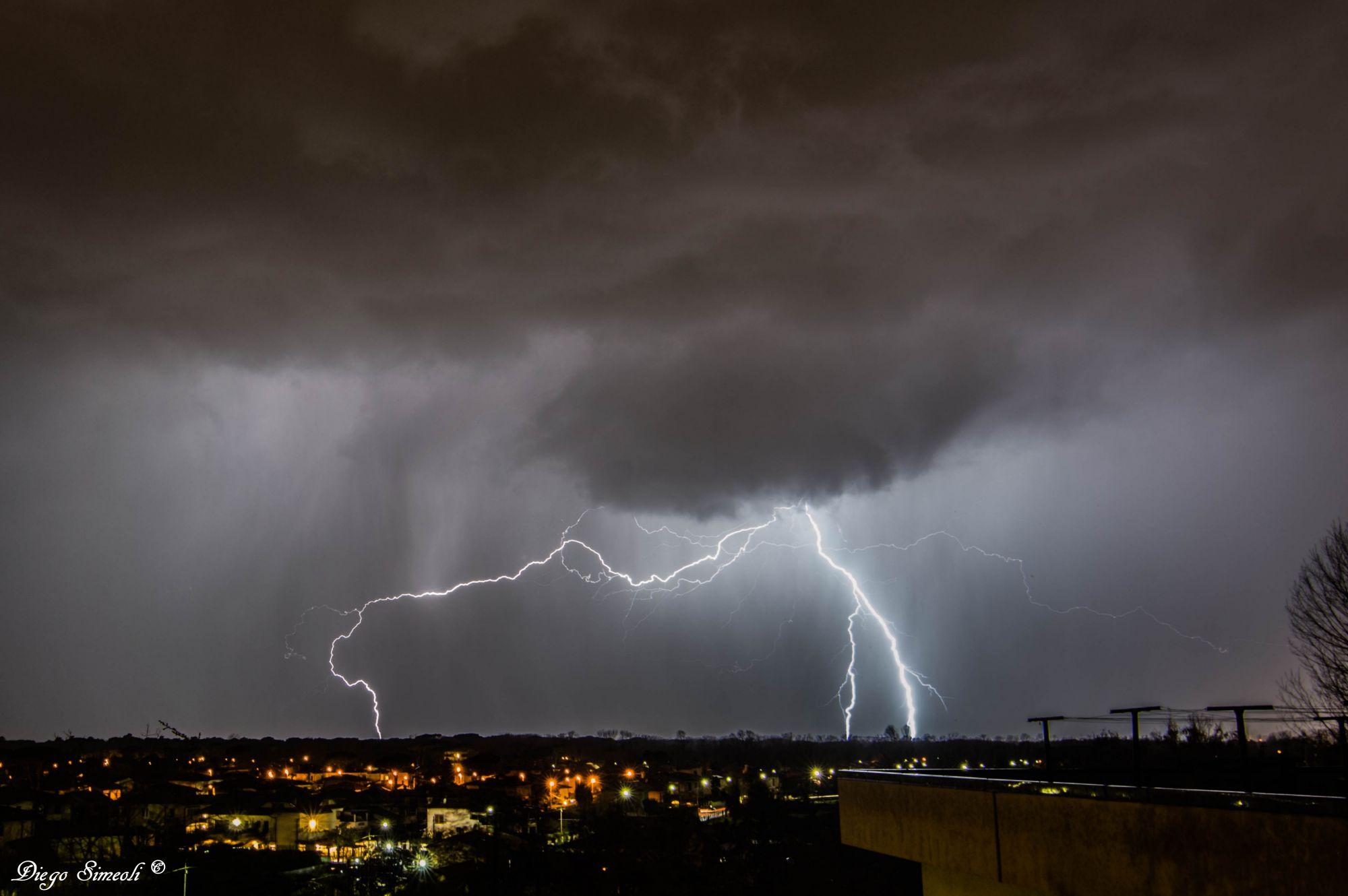 Maltempo, allerta meteo per pioggia e temporali