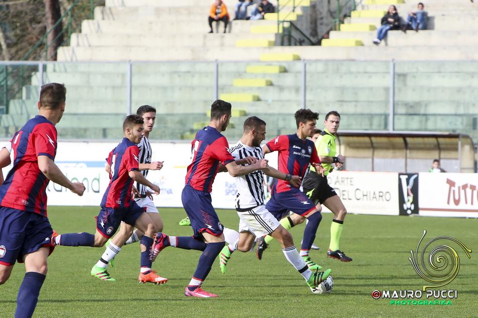 Valeri arbitra la finale della Viareggio Cup 2016