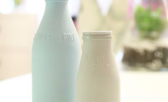 """Esplode la crisi del latte: """"Rischiamo di buttare via 50 milioni di litri"""""""