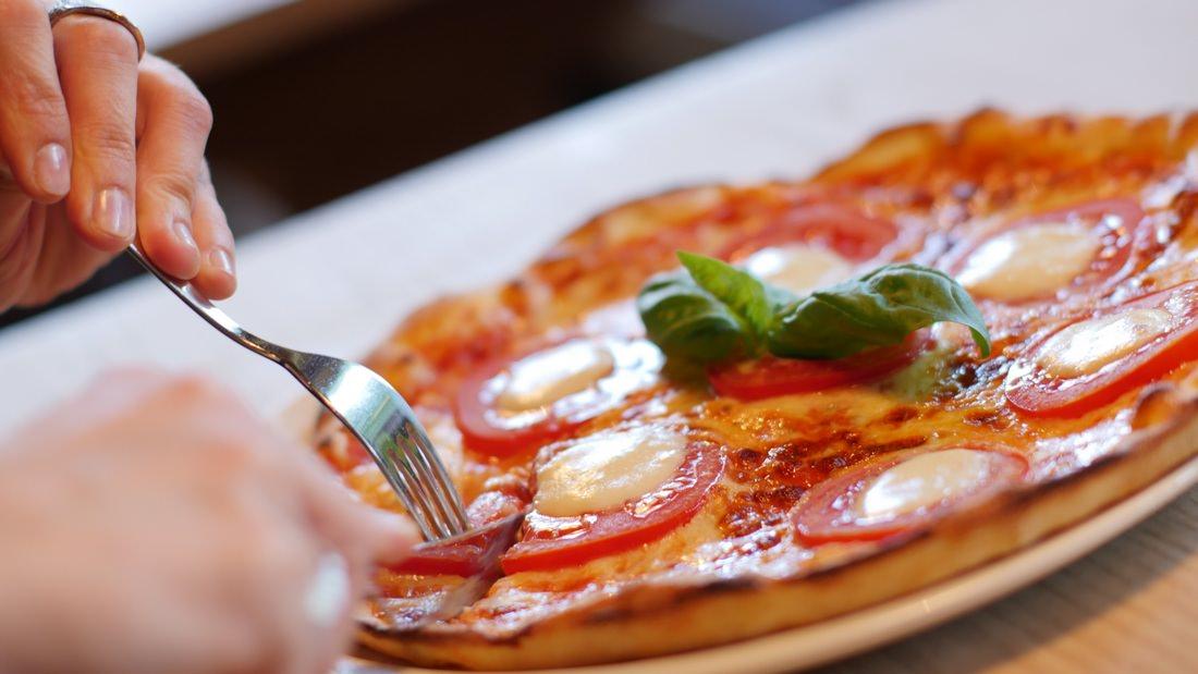 """La pizza della """"Gran Varignano"""" nella Biblioteca della guida alle pizzerie"""