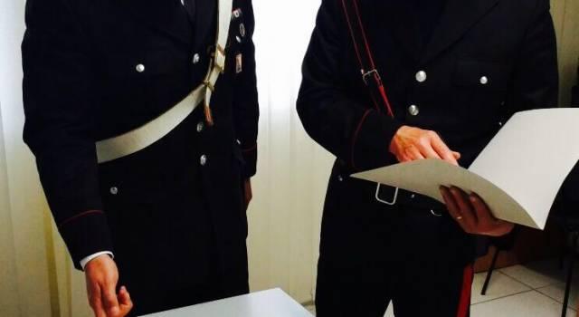 Spaccio in pineta. Carabiniere donna arresta un pusher