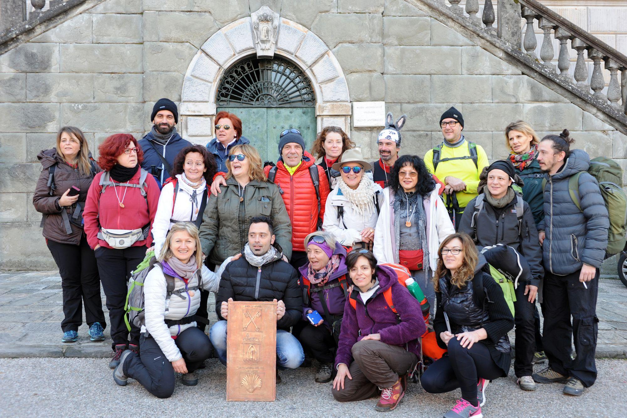 Scolaresca di Livorno alla scoperta della via Francigena di Pietrasanta