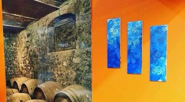 Rubati a Vinitaly quadri di artista viareggino