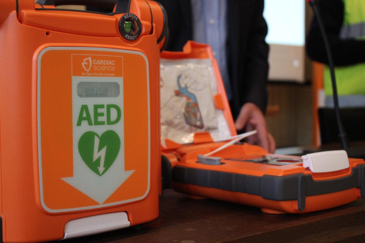 All'associazione Unicorno un defibrillatore dalle Tartarughe Lente