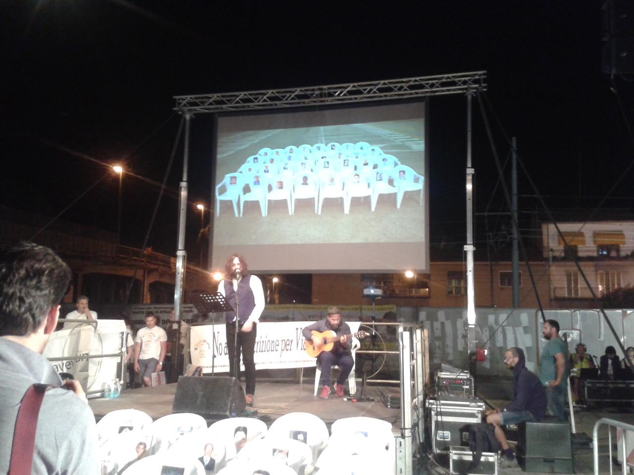 Una canzone per le vittime della strage di Viareggio