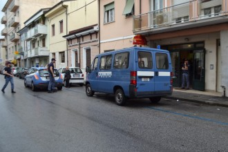 polizia piazza dante