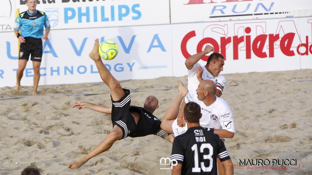 """La Lazio piega il Livorno al """"Beach Stadium"""""""