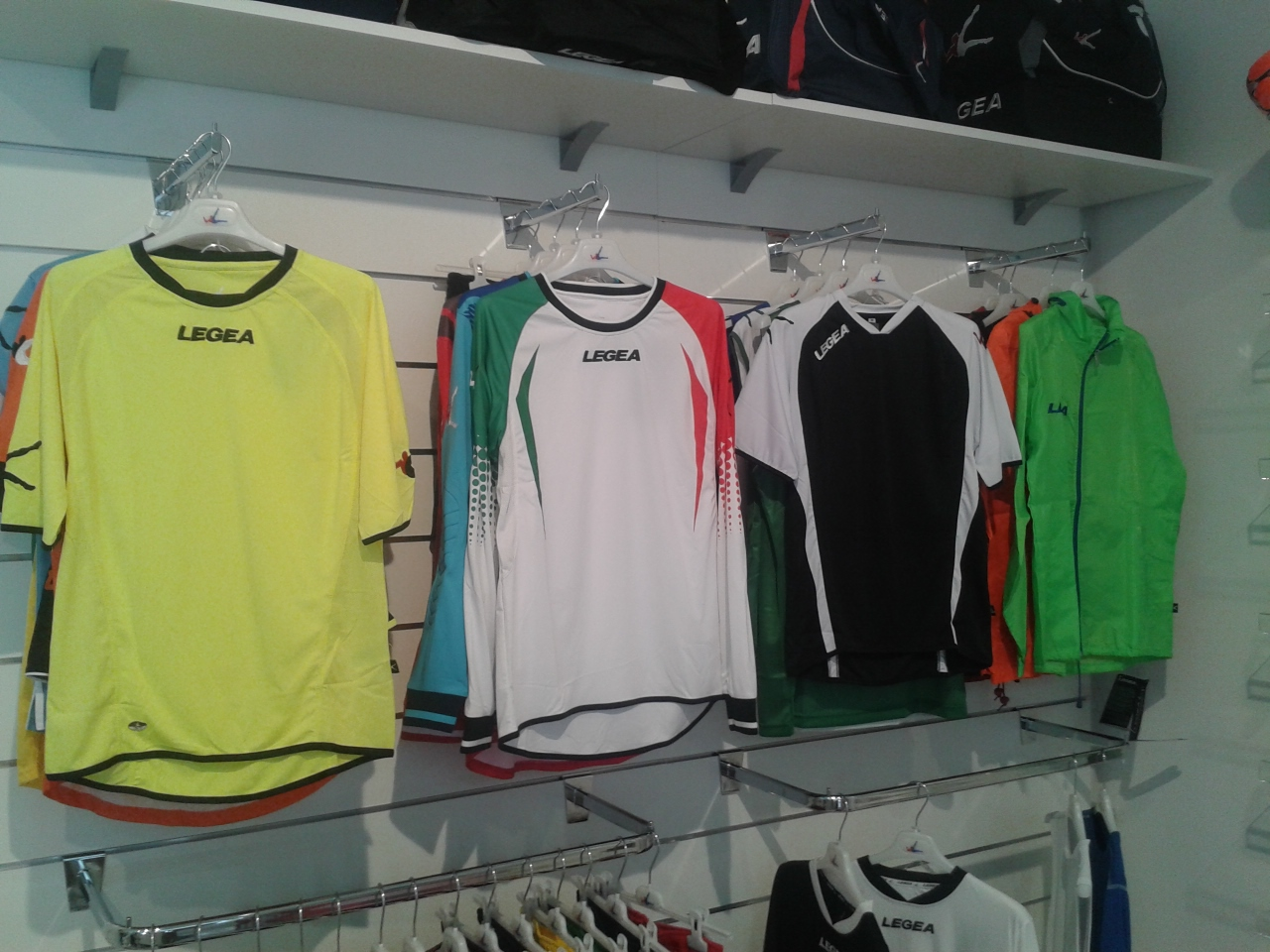 Apre un nuovo negozio di articoli sportivi in centro a Viareggio
