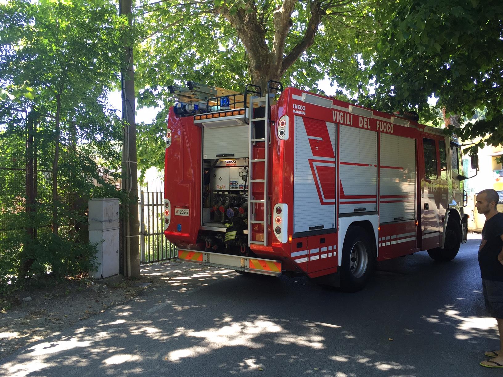 Incendio in via Cimarosa. Ordinanza del sindaco di pulizia della strada