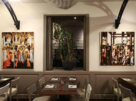 """Il ristorante """"Giannino""""di Milano arredato da un artista versiliese"""