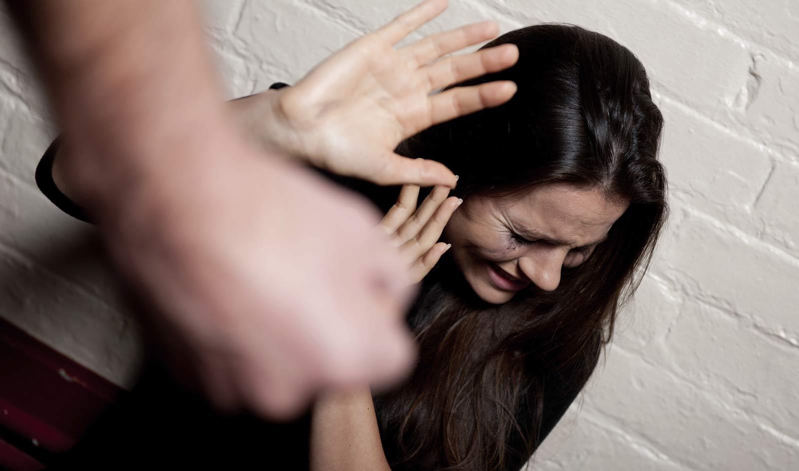 Contro la violenza sulle donne, la campagna della Regione tradotta in otto lingue
