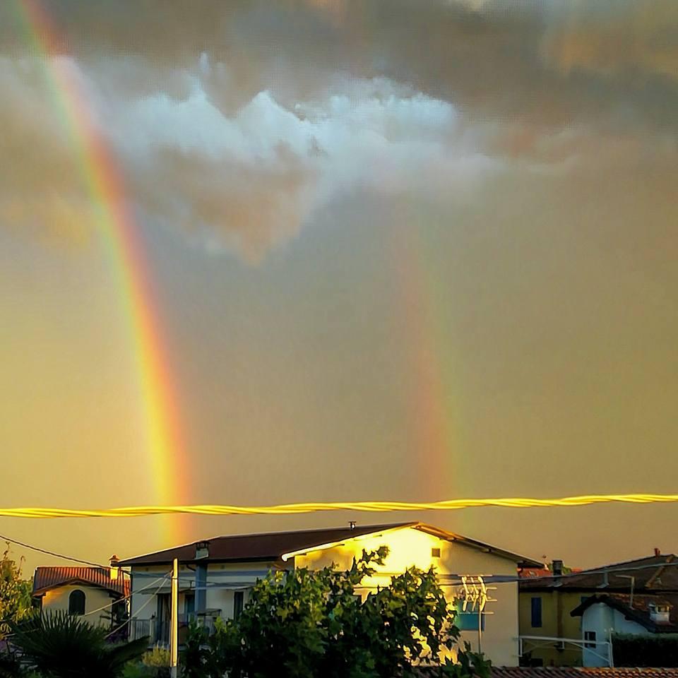 Dopo il temporale il cielo dà spettacolo: le vostre foto