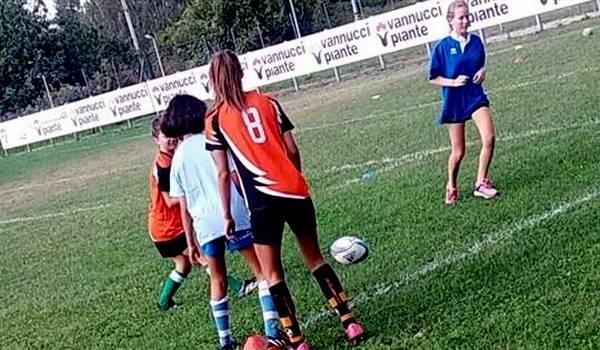 Al campo delle Iare l'Open Day femminile del Rugby Union Versilia