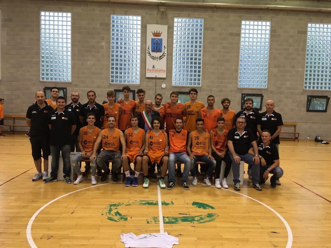 Festa di presentazione per il Versilia Basket