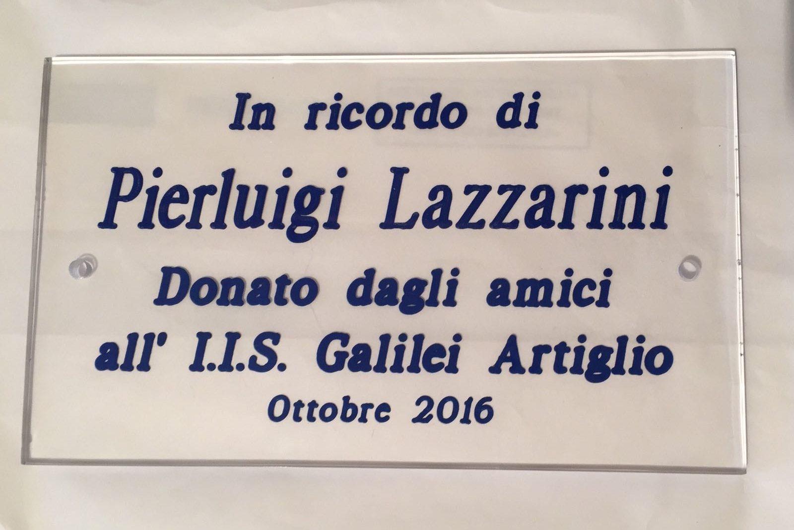 """Gli amici di Pierluigi Lazzarini donano un defibrillatore al """"Galilei"""""""