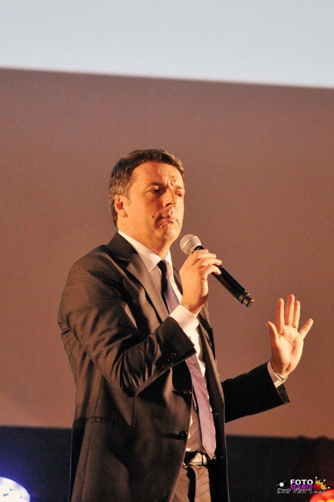 """Matteo Renzi: """"La vicenda dei miei genitori ha oscurato tutto ciò che è accaduto ieri nel mondo della politica"""""""
