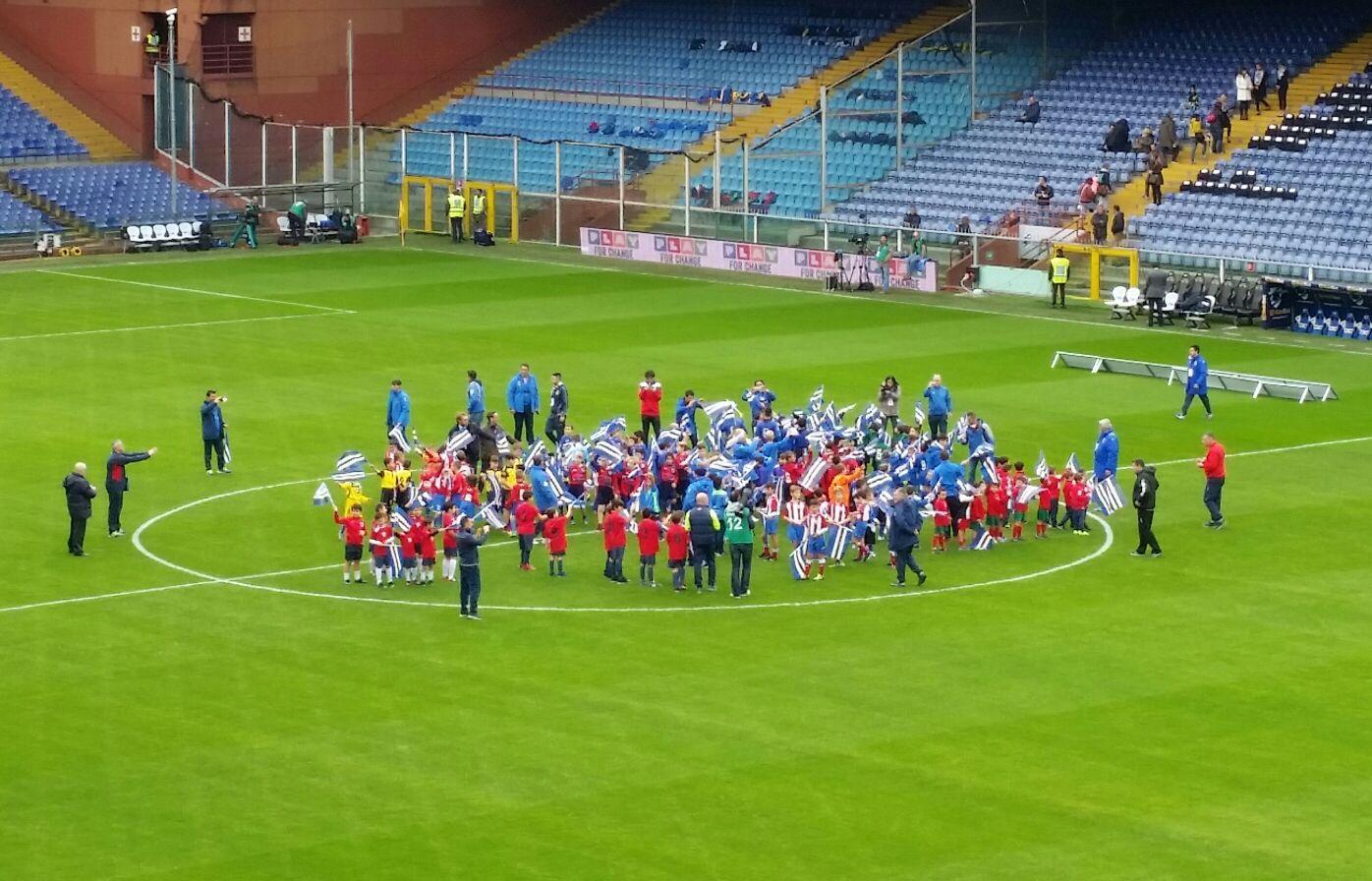 I baby calciatori di Forte dei Marmi 2015  tutti insieme allo stadio per Sampdoria Sassuolo