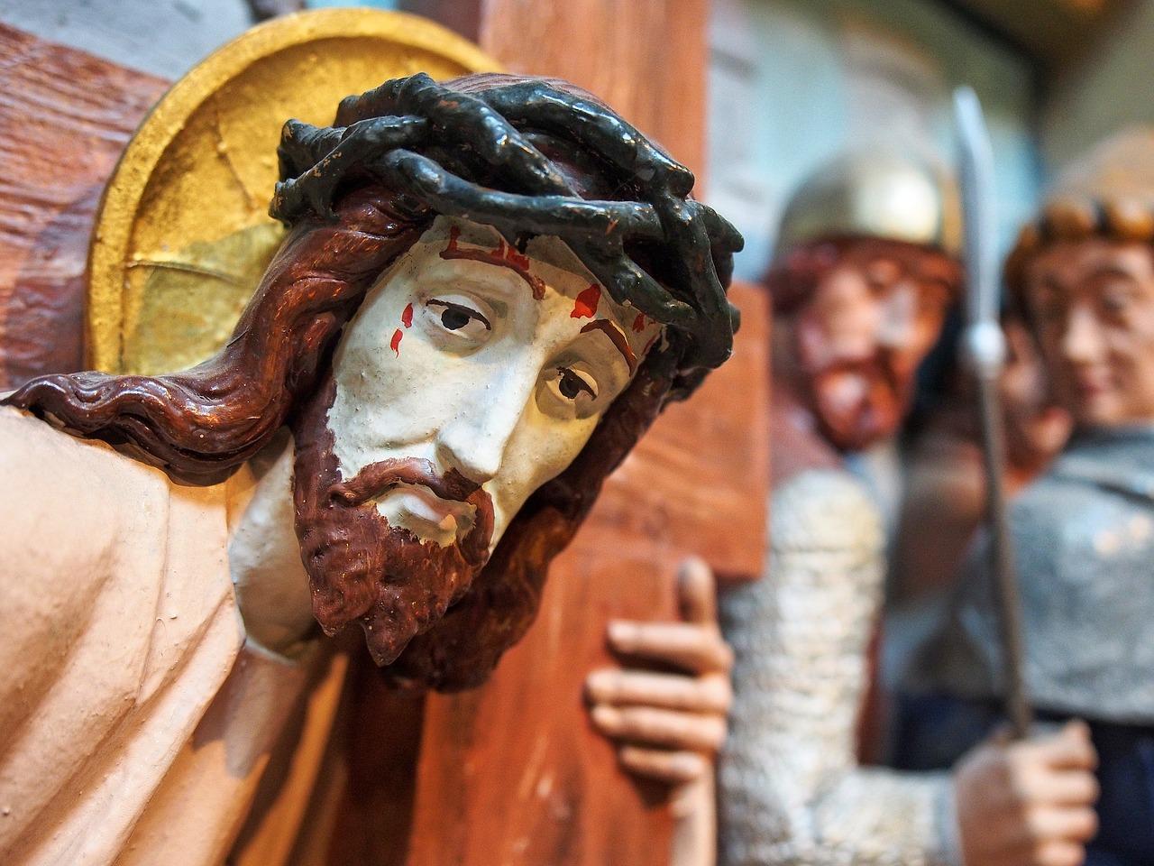"""""""Con Salvini Gesù non si sarebbe salvato"""", polemica per l'omelia del sacerdote"""