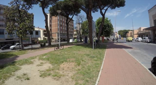 Accoltellamento davanti alla stazione di Viareggio. Un ferito trasportato al Versilia
