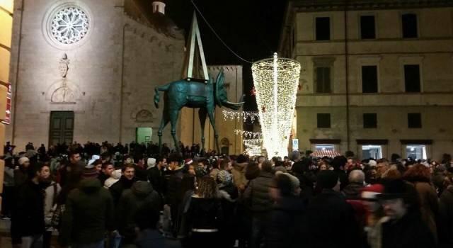 Settemila in piazza per il Camel Ponce, 200 bottiglie sequestrate