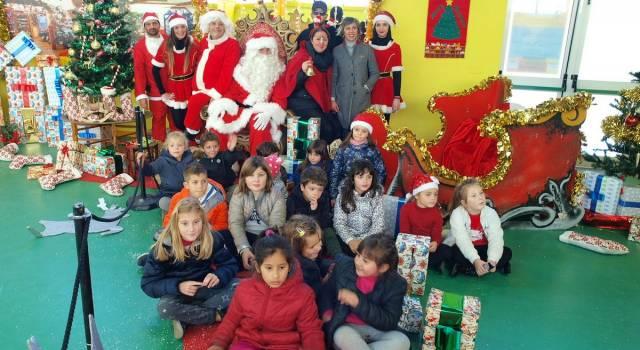 Santa Claus Party, migliaia di persone al Centro Polo