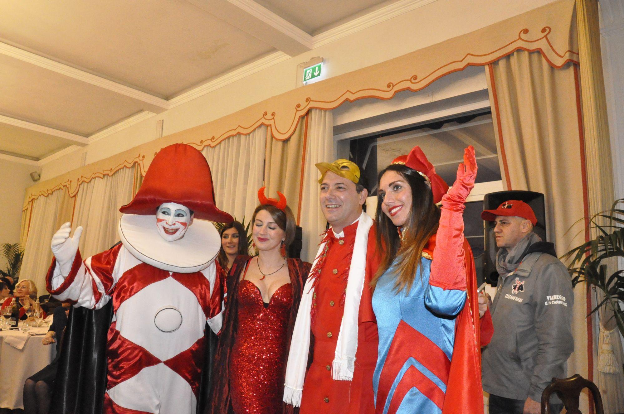 Grande successo all'hotel Palace per il Veglione Rosso Piccante