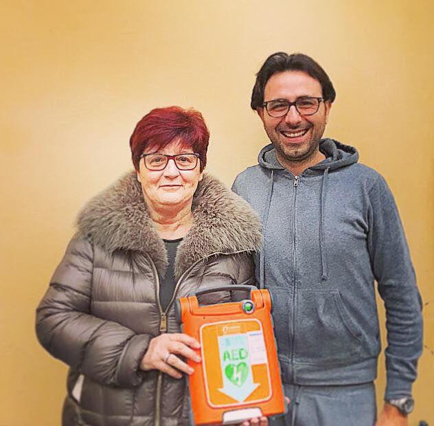 Un defibrillatore in città nel nome di Luca Cattani
