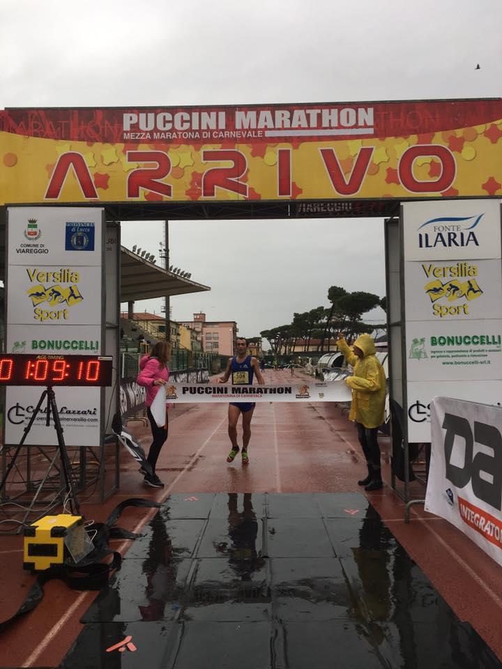Puccini Marathon, la pioggia non ferma la carica degli 800 runners