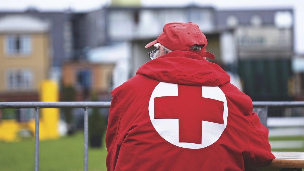 Rubano da un'ambulanza della Croce Rossa di Viareggio mentre i volontari soccorrono un paziente