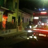 Incendio a Viareggio, black out e famiglie evacuate.
