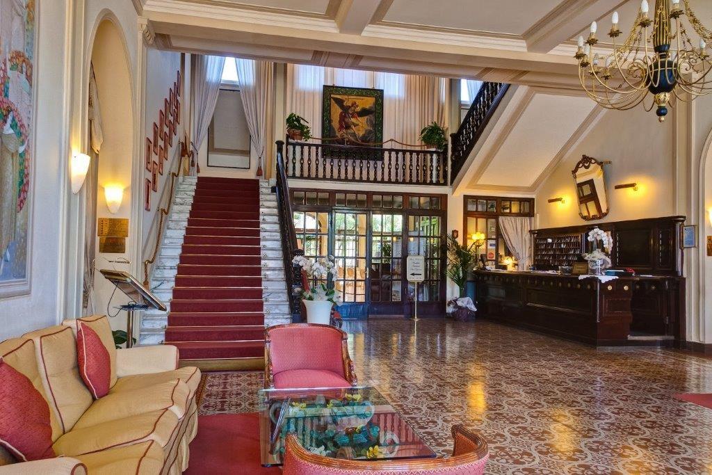 atrio grnad hotel royal ingresso