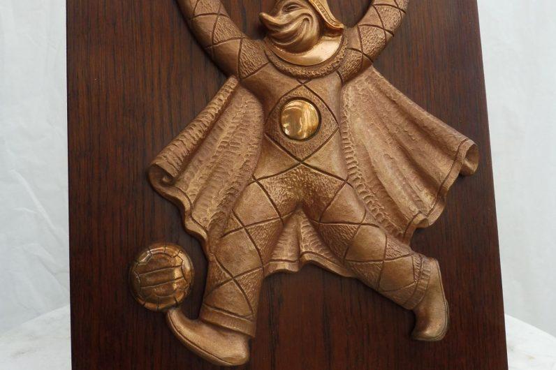 Burlamacco ad altorilievo in bronzo