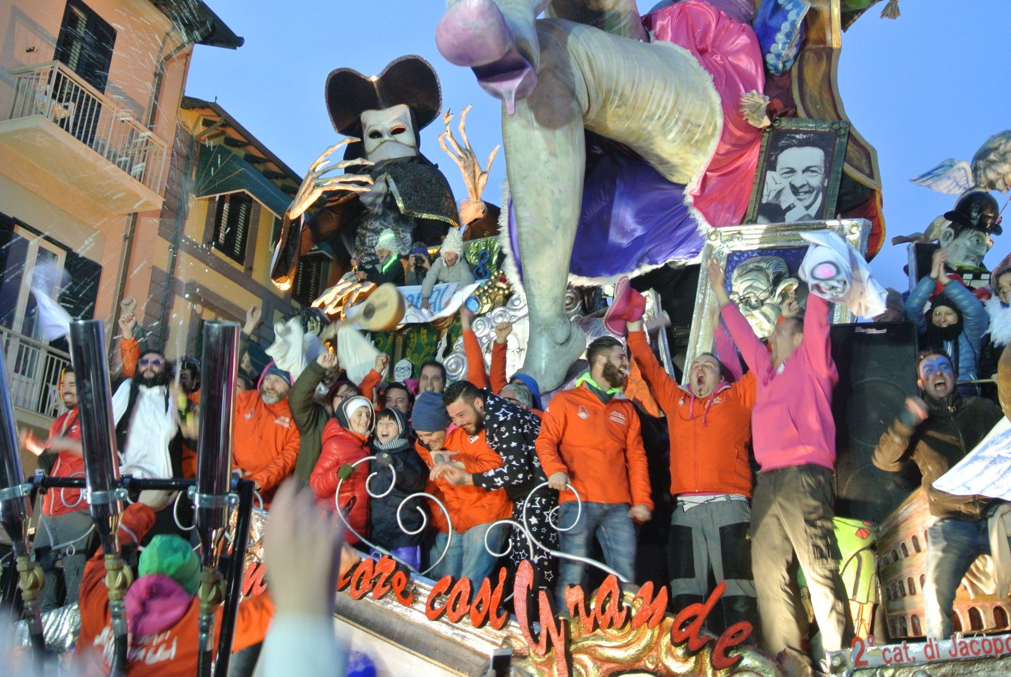 Carnevale di Viareggio, Jacopo Allegrucci domina in seconda categoria